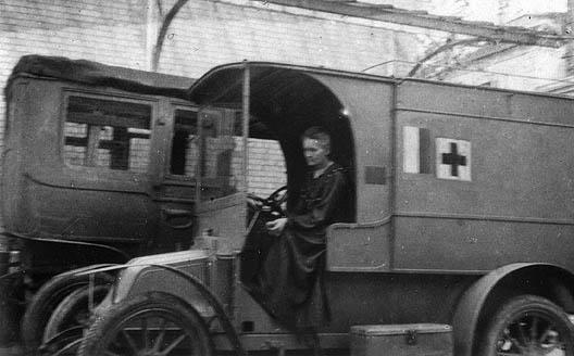 "voiture radiologique ""Petite Curie"""